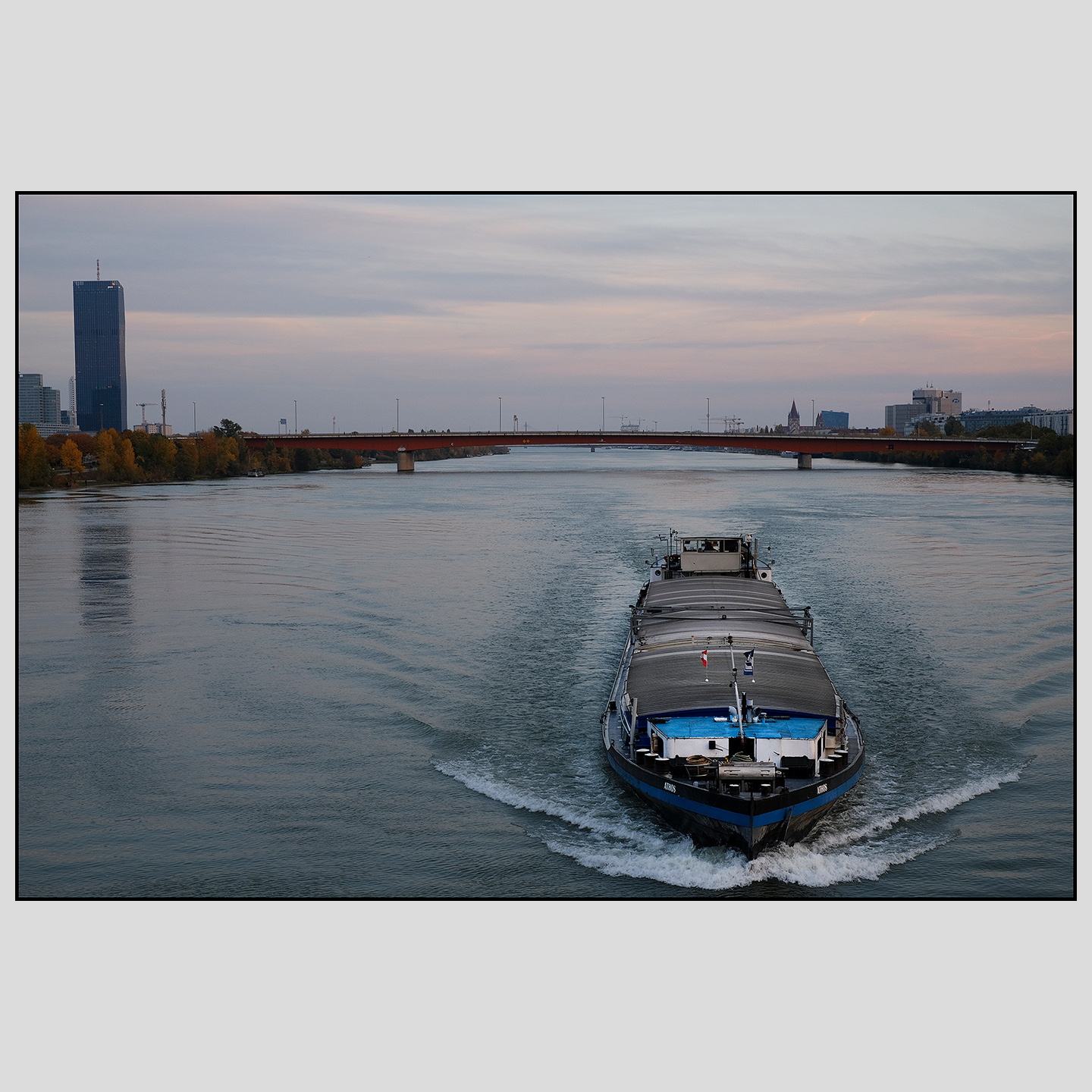 A romanian barge poughing upstream the Danube | October 2020